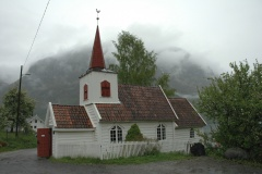 Undredal stave church 25may2006.jpg